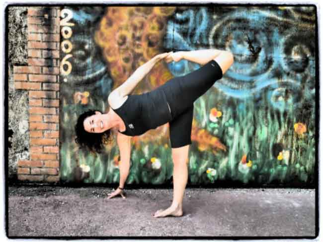 Yoga Teachers: Useful Adjustment for Trikonasana and Ardha Chandrasana